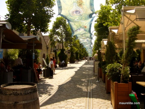Top 10 Things to do in Paris: bercy village