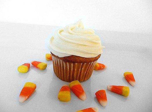 pumpkin-cupcakes-plain