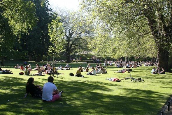 Stephens Green Park in Dublin, Ireland I @SatuVW I To Destination Unknown