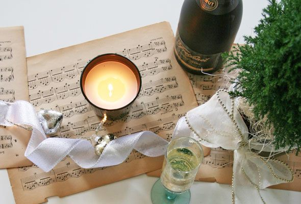 champagne & caviar party decor