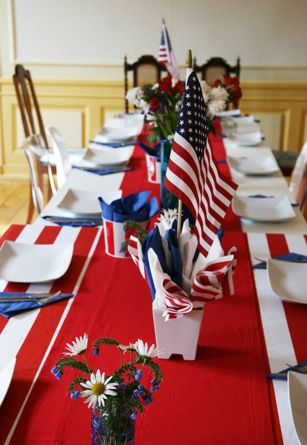 easy-4th-of-july-centerpiece