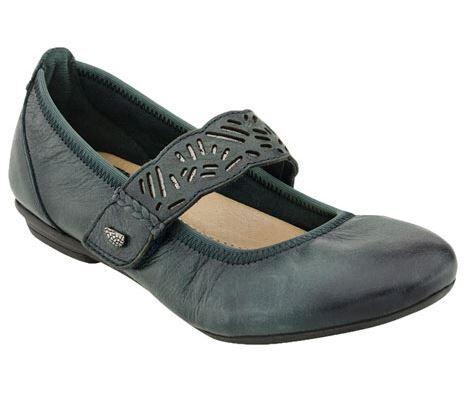 travel shoes slip on